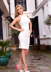 Sexy London escort Gabriela has a fabulous smile