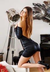Escort  Mirabel from South Kensington