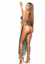London escort Reina has perfect curvy figure